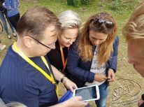 outdoor_tablet_teambuilding_game_003