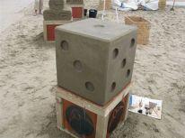 bedrijfsuitje_strand_zandsculptuur_bouwen